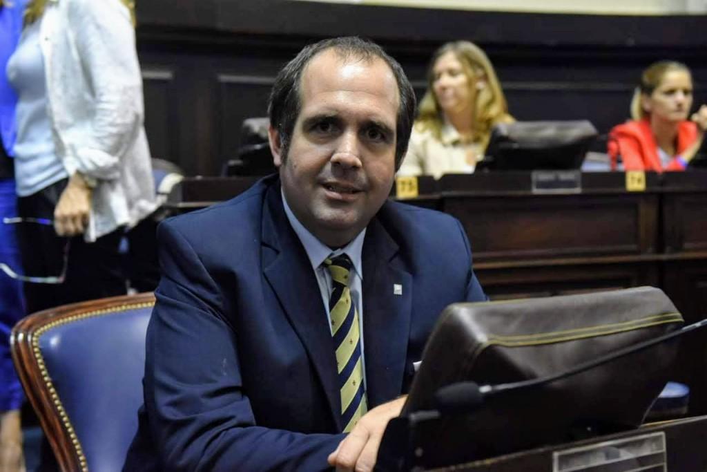 Legislador opositor cuestiona el reparto de obras de Vialidad de Kicillof