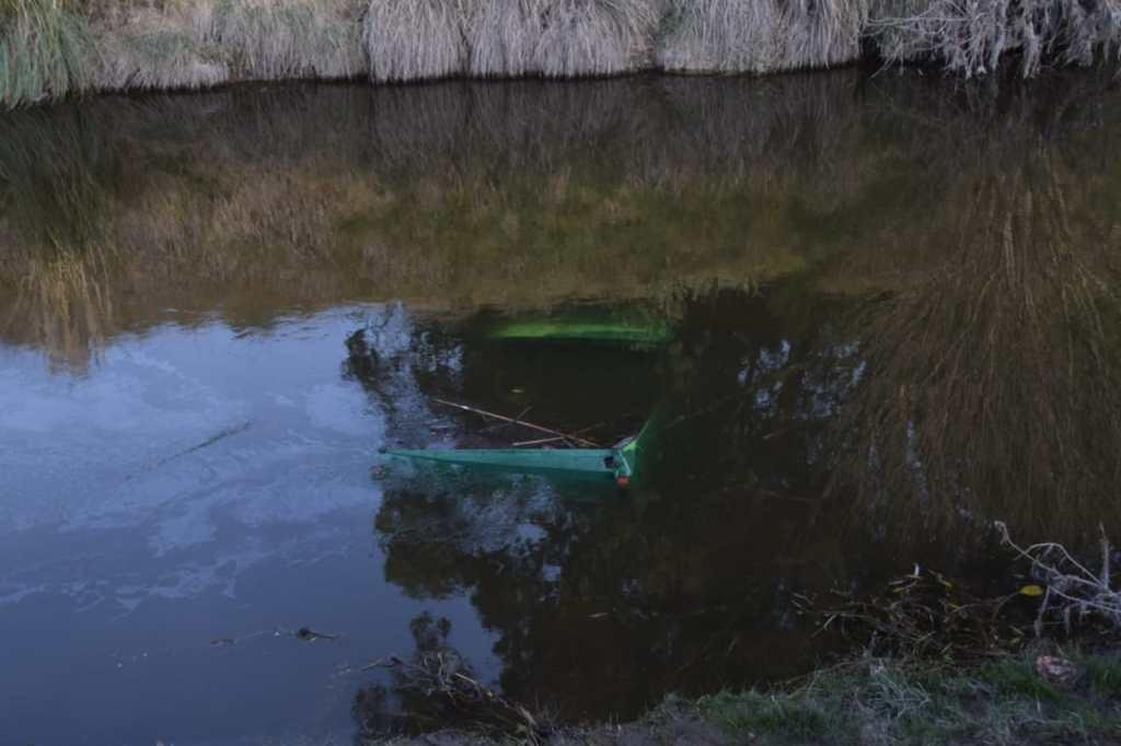 Cayó una camioneta al arroyo Tapalqué: rescataron a cinco chicos