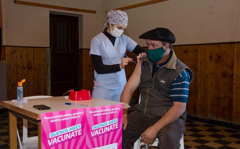 El plan provincial de vacunación estuvo en Recalde y en total en Olavarría se aplicaron 1.227 dosis