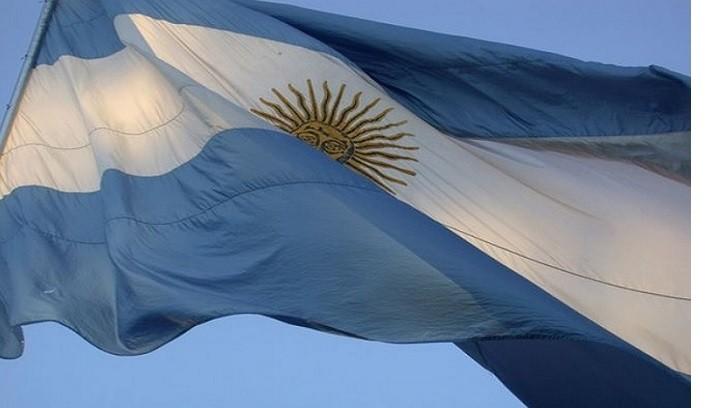 Día de la Bandera: ceremonias en el Regimiento y en la Plaza Manuel Belgrano