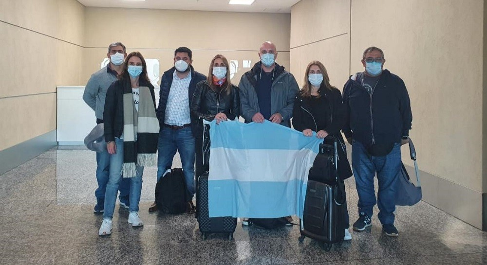 Una delegación argentina negocia vacunas en Emiratos Árabes