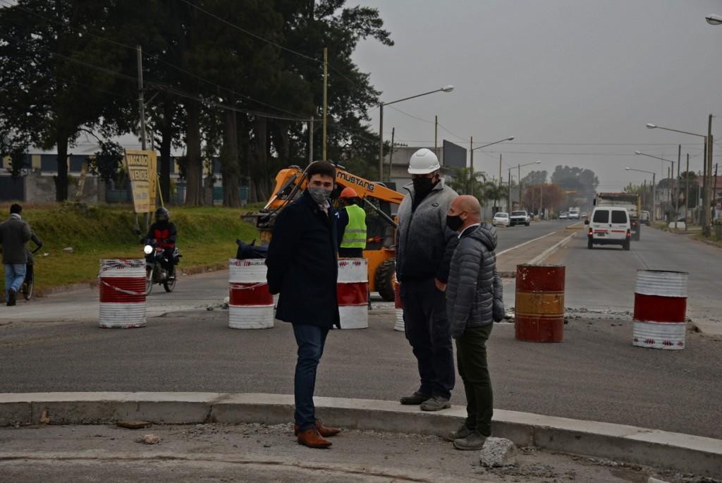 Está en marcha la construcción de la nueva rotonda en Trabajadores e Ituzaingó