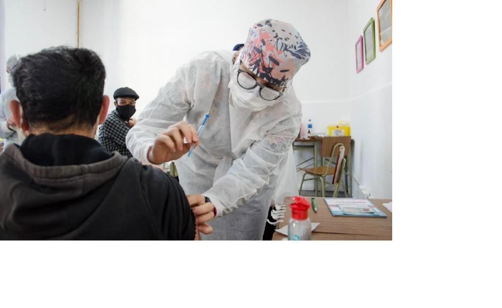 Este jueves la campaña de vacunación provincial aplicó 564 primeras dosis
