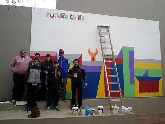"""Mural en el  HCD: """"la idea es hablar sobre el trabajo"""""""