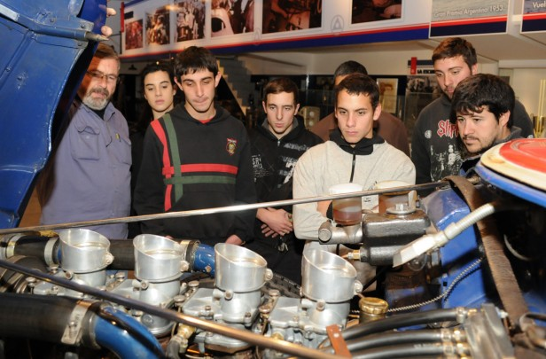 """Alumnos de la Técnica 2 visitaron el Museo """"Emiliozzi"""""""