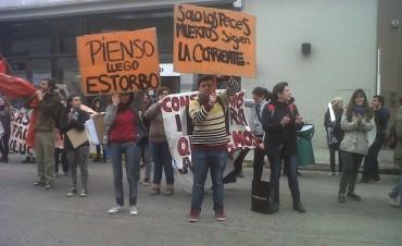 Los estudiantes de Artes Visuales se manifestaron por el edificio propio