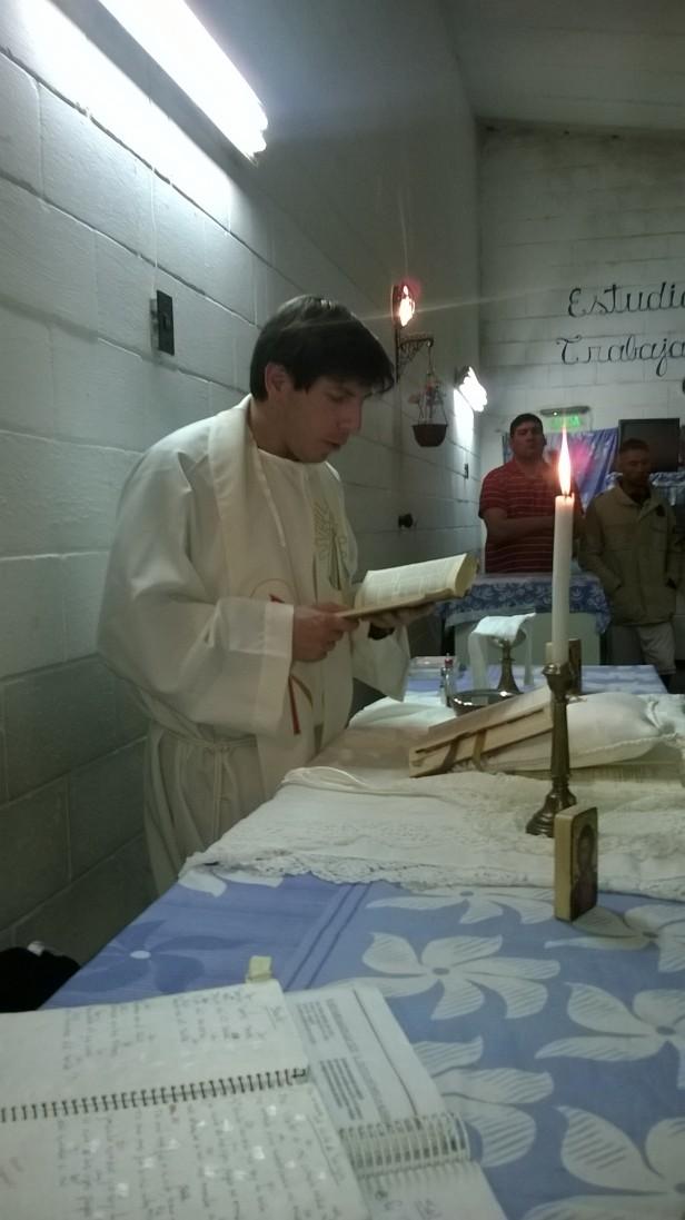 Por primera vez se celebró misa en un pabellón de la Unidad Nº 38