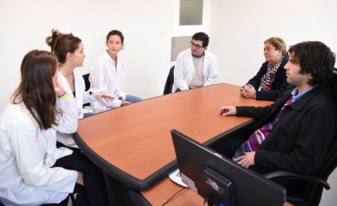 Estudiantes francesas realizan prácticas en el Hospital Municipal