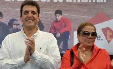 Graciela Camaño en Olavarría con Massa