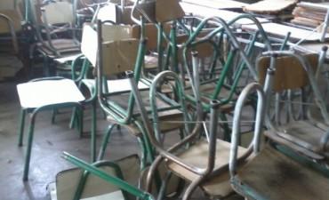 Internos de la Unidad Nº 38 repararon mobiliario para el Colegio   Nuevas Lenguas