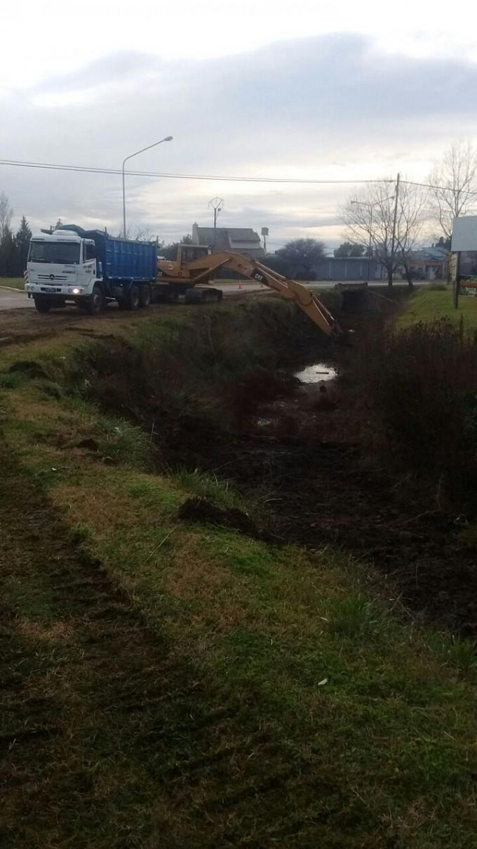 Plan de limpieza de canales: se trabajará en distintos puntos de la ciudad y localidades