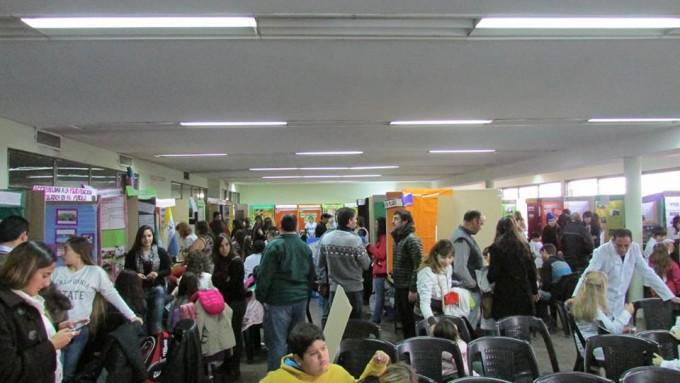 Convocan a escuelas y estudiantes a participar de la Feria de Ciencias