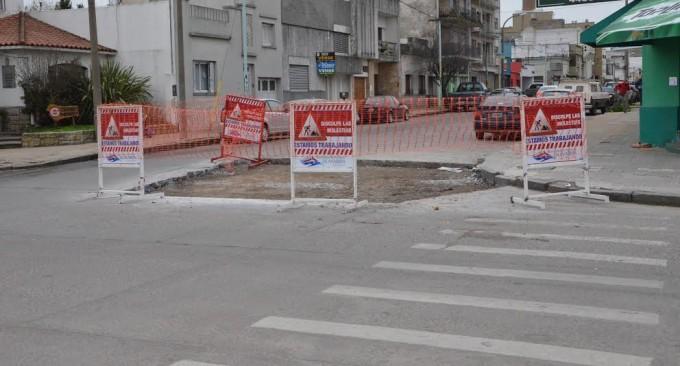 Continúan los trabajos de bacheo en la ciudad y las localidades