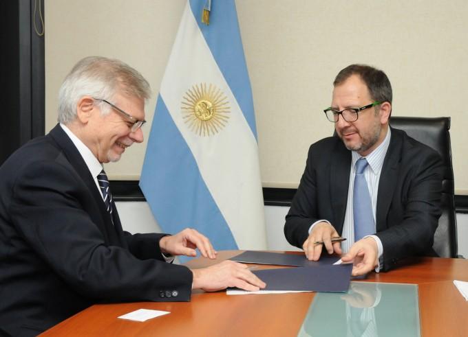 La Provincia firmó acuerdo para animar a las PyMEs a exportar