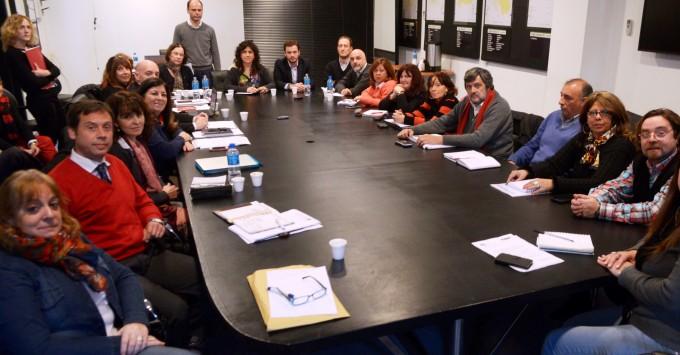 La Ministra Ortiz convocó a los gremios a trabajar en conjunto para recuperar el sistema sanitario