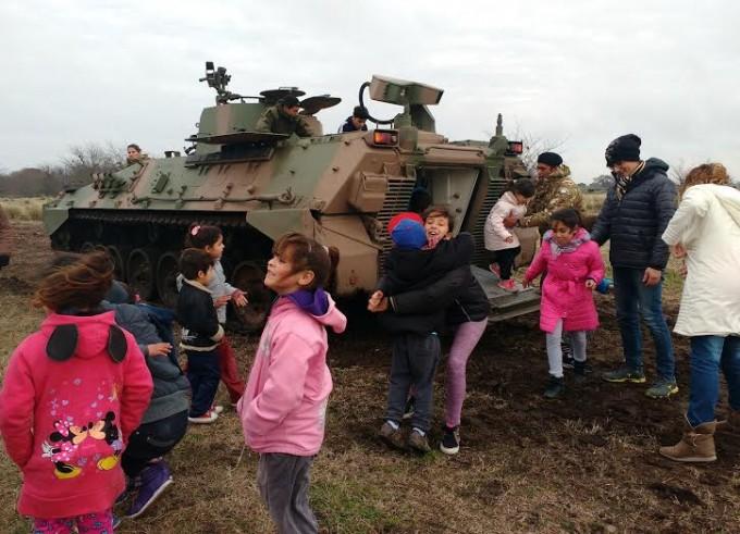 Los chicos del Centro de Día N° 1 visitaron la Guarnición local del Ejército