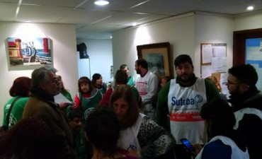 ATE y SUTEBA se manifestaron en el Consejo por los descuentos