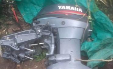 Personal policial recuperó un motor fuera de borda