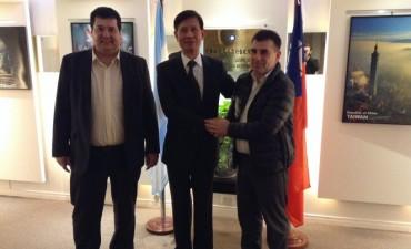 Azul: el Intendente Bertellys se reunió con el embajador de Taiwán