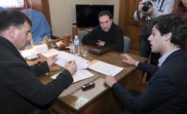 Azul: el Intendente Bertellys firmó un convenio de seguridad vial