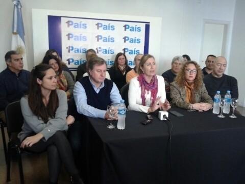 1PAIS presentó su lista de precandidatos