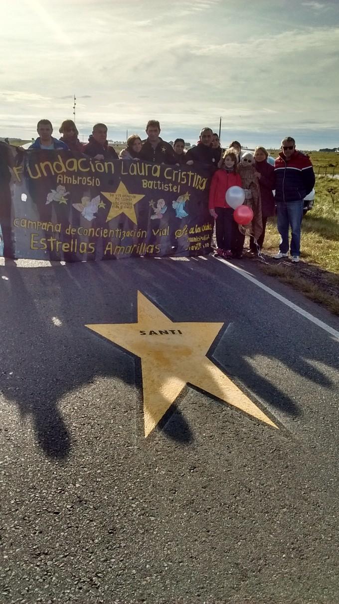 Emotiva ceremonia en la pintada de la estrella amarilla 126