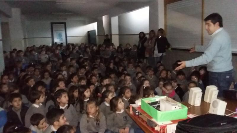 Más de 380 chicos participaron de una charla de educación vial