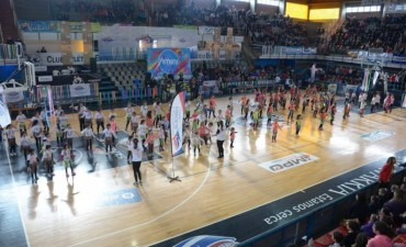 Más de 500 niños brillaron en el Mini Gym