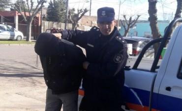 Una persona detenida por atentado y resistencia a la autoridad