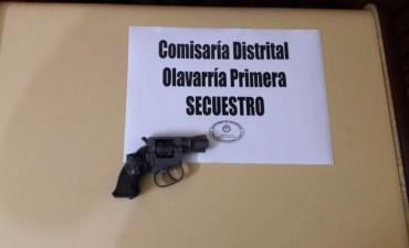 Secuestraron un arma tras varios allanamientos