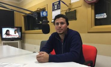 Federico Aguilera estuvo en los estudios de Radio Olavarría