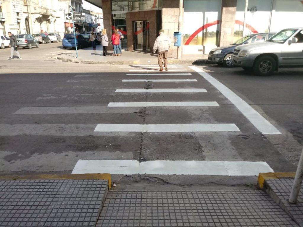 Demarcación de sendas peatonales en la zona céntrica