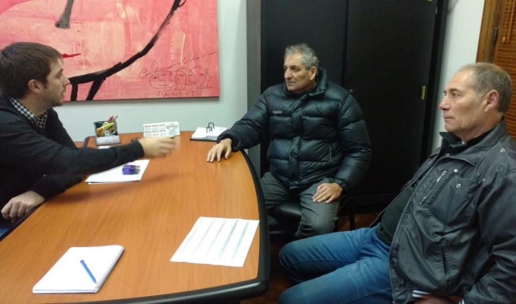 Reunión entre Municipio y Comisión de Taxistas local por la regulación del cuadro tarifario