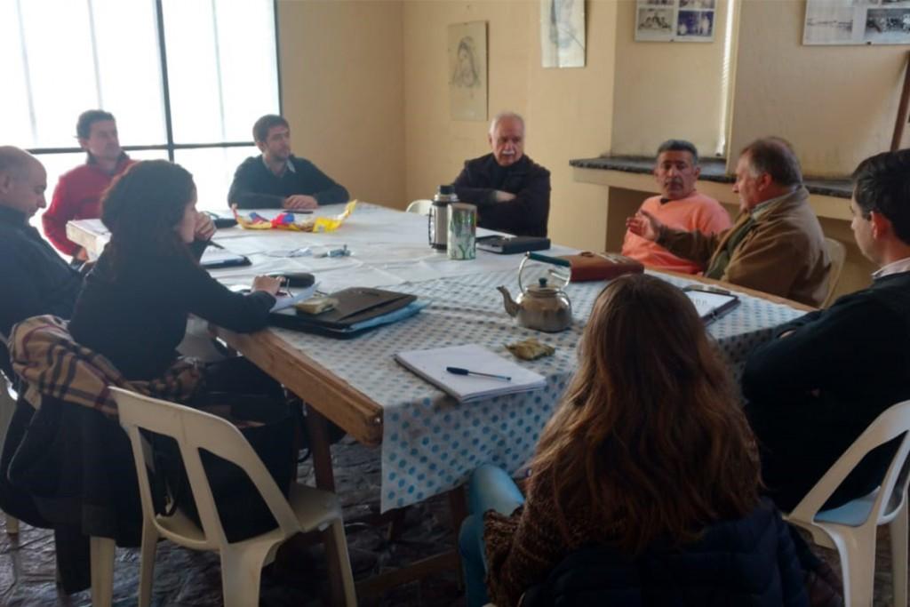 Reunión de delegados y funcionarios municipales