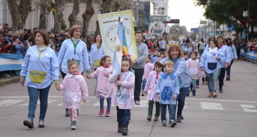 Desfile del 9 de julio: colectivos para traslado de alumnos