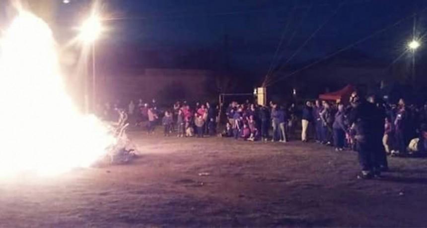 Se encendieron 120 candiles en Espigas