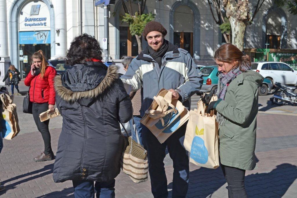 Desarrollo Sustentable: última jornada de entrega de Ecobolsas