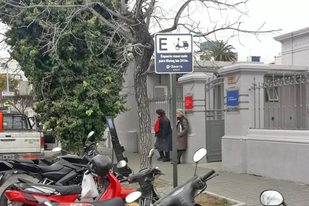 Señalización de espacios reservados para motos