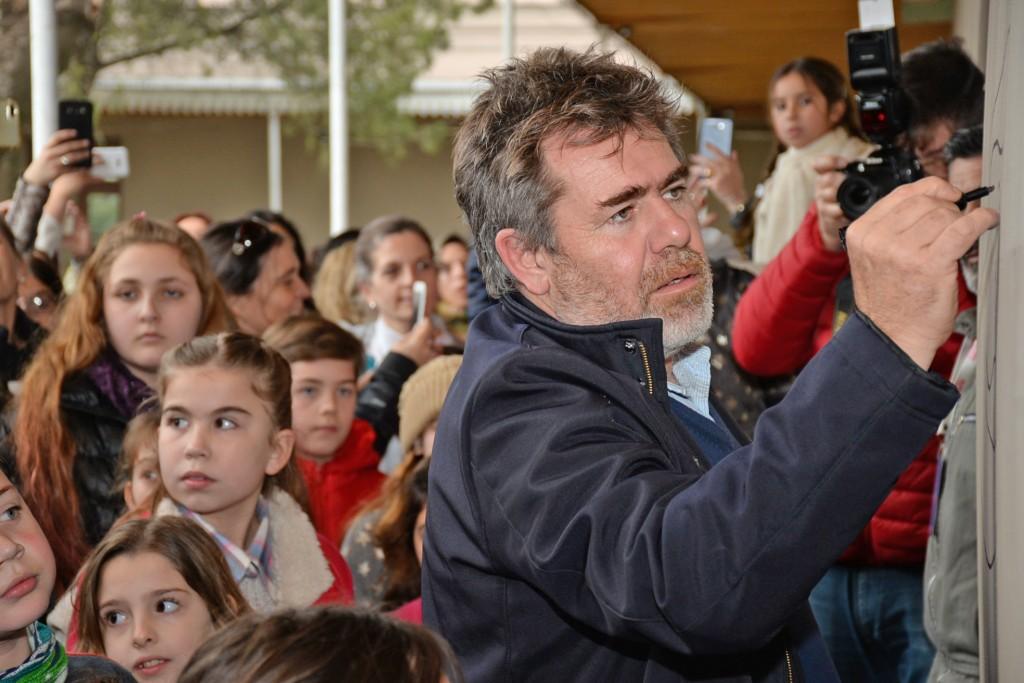 Milo en Olavarría: cientos de chicos estuvieron con el artista