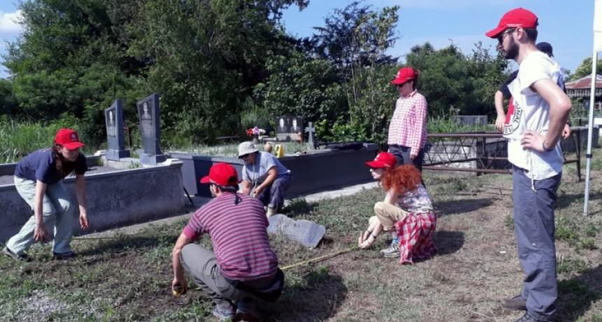 Investigadores de la FACSO trabajan en una misión internacional de la Cruz Roja en el Cáucaso con el EAAF
