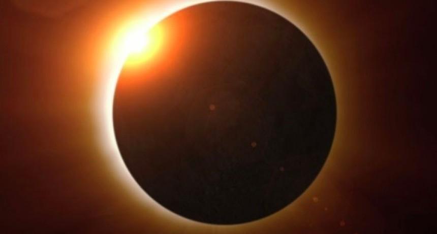 Eclipse: los olavarrienses buscan lugares elevados para observarlo