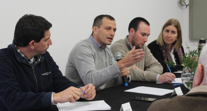 Eduardo Bucca encabezó una reunión de trabajo en Olavarría con candidatos a Intendente y Diputados Provinciales