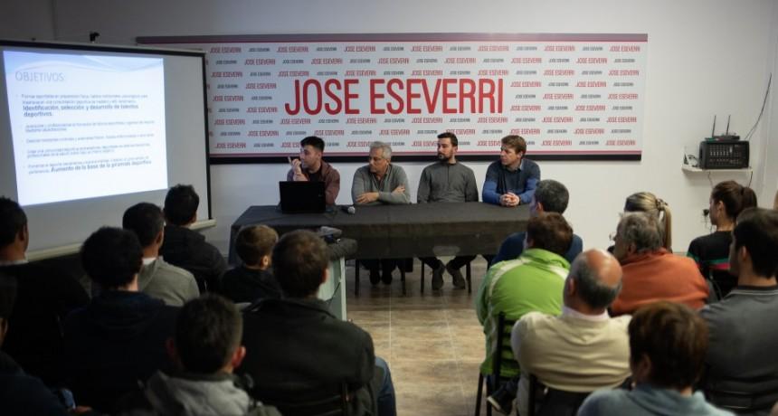 Eseverri presentó su propuesta para el deporte