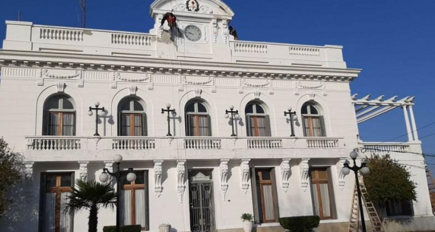 General Alvear: Se realizan trabajos de mampostería y pintura en el Palacio Municipal