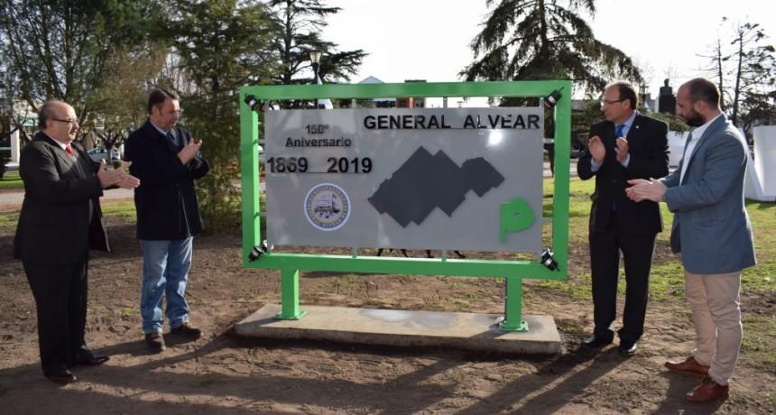 Fue inaugurado el monumento del 150º Aniversario de General Alvear