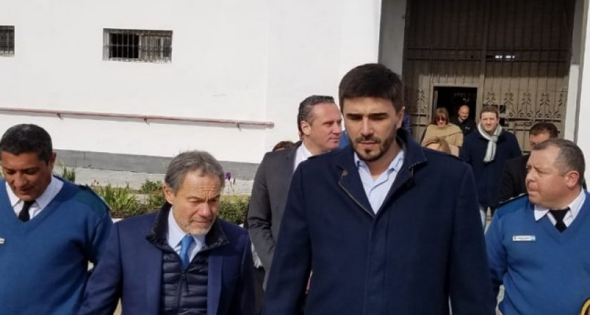 El Ministro de Justicia, Gustavo Ferrari, recorrió la Unidad 2 e inauguró reformas en los talleres