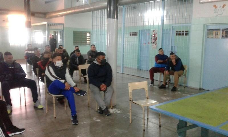 Covid-19: mesa de diálogo con los internos de la Unidad Nº 17