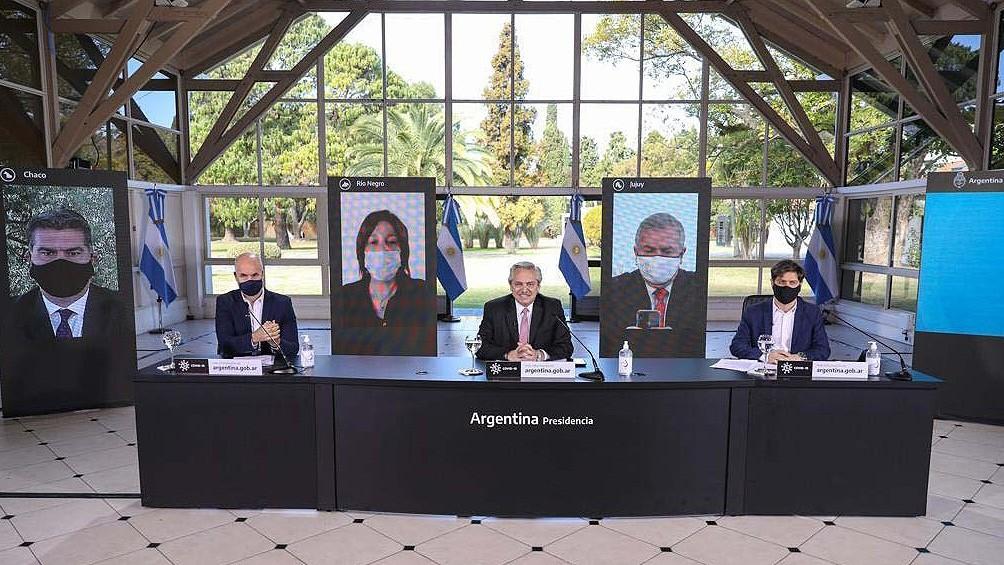 Fernández anunció una apertura escalonada: