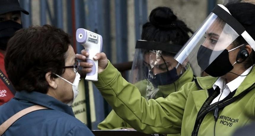 El gobierno de Chile insiste en que hay una mejoría, pese a superar los 300.000 casos
