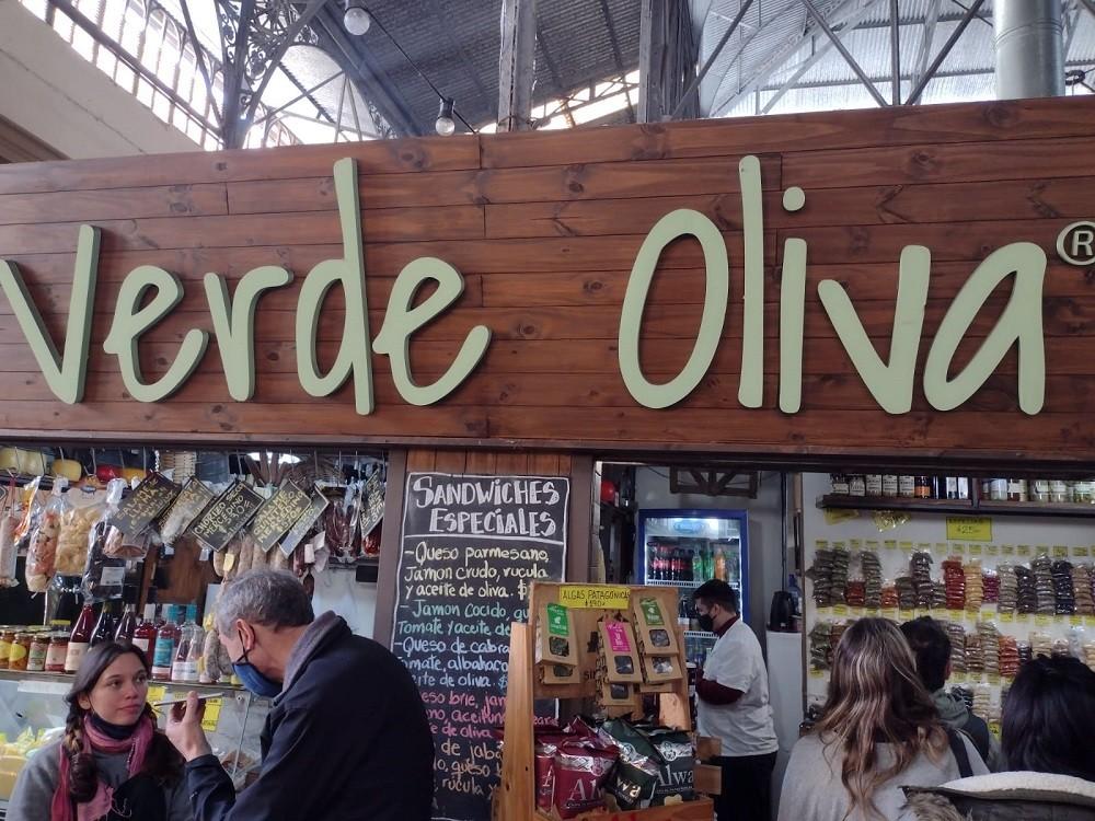 """Radio Olavarría y una propuesta turística: recorrida por el local de productos regionales """"Verde Oliva"""""""